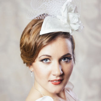 LAURA bridal teardrop fascinator