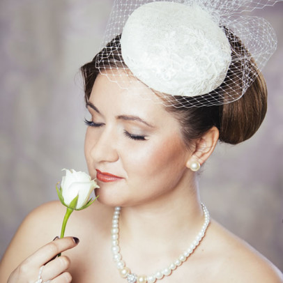 LILLY cream bridal pillbox hat with veil and lace detail