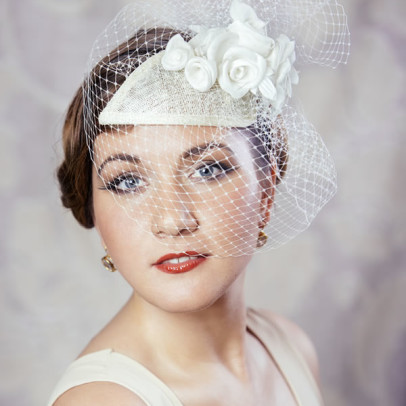 ALEXANDRA – bridal fascinator with roses and birdcage veil