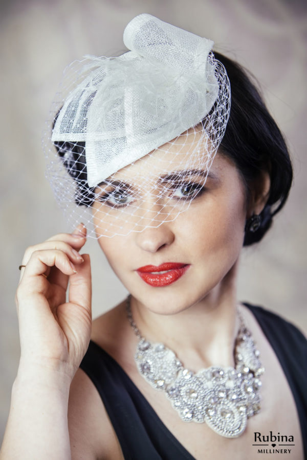 FLORA – white teardrop fascinator with birdcage veil and feathers