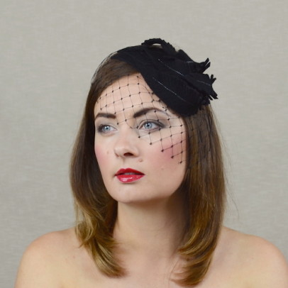 NICOLA black felt fascinator