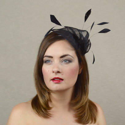 SANDRA black fascinator with fearhers