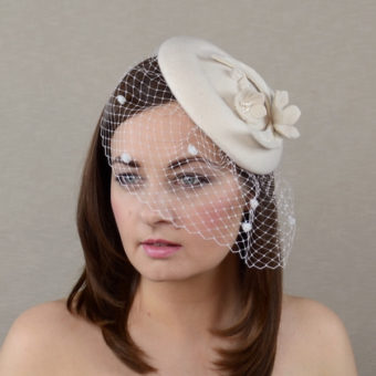 AUTUMN - off white bridal porkpie hat with birdcage veil