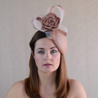 FIONA latte teardrop hat with leather rose