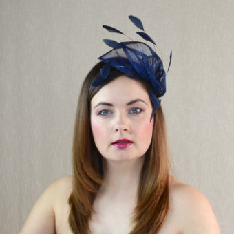 SANDRA navy blue fascinator with feathers