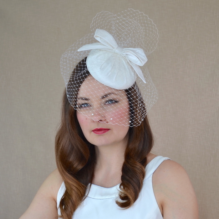 2ea488c1dc2f2 NATALIE – Silk Bridal Pillbox Hat with Bow and Birdcage Veil ...